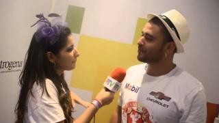 Carnaval 2014: Diogo Nogueira corre pra ver o desfile da Portela