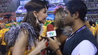 Carnaval 2014: Julia Lemmertz no Camarote da Devassa