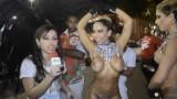 Carnaval 2014: Mulher Melão desfila só de tapa sexo