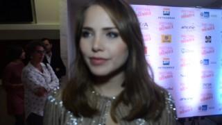 Letícia Colin fala à Plus TV como foi protagonizar o filme Bonitinha, Mas Ordinária