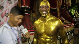 🎉 Carnaval Plus TV 2018 || Iran Gomes Desfila com o Corpo Pintado no Império da Tijuca